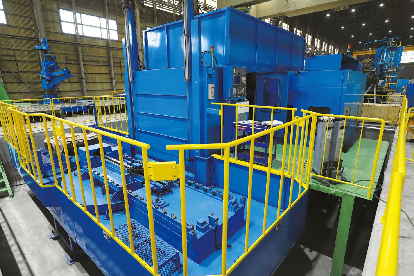 CNC複合縦旋盤