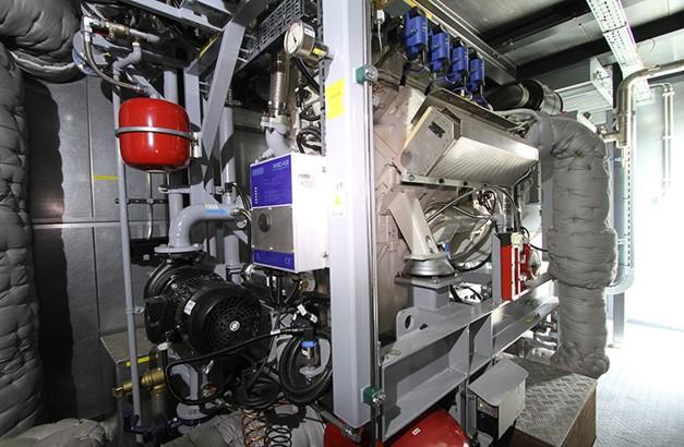 バイオガスエンジン